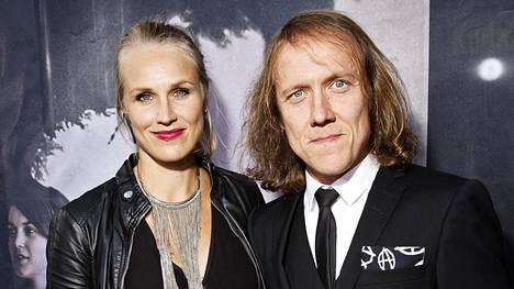 Minna Kauppi ja Sipe Santapukki osallistuivat yhdessä Apulannasta kertovan Teit meistä kauniin -elokuvan kutsuvierasensi-iltaan syyskuussa 2016.