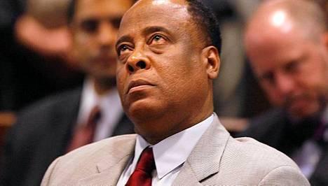 Conrad Murray oikeudessa helmikuussa 2010.