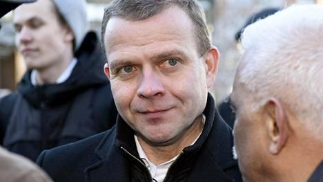 Valtiovarainministeri Petteri Orpon (kok) mukaan seuraavan hallitusohjelman voi rakentaa niin, että veroja ei kiristetä eikä leikkauksia tehdä. Orpon mukaan uusia leikkauksia joudutaan miettimään, jos seuraava hallitus ei onnistu nostamaan työllisyysastetta.
