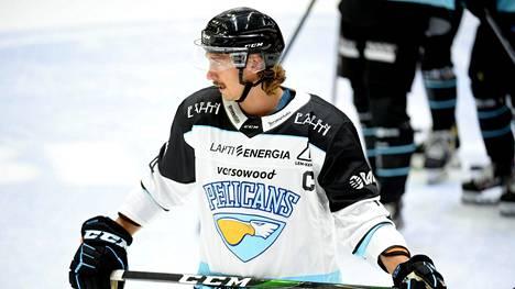 Pelicansin kapteeni Hannes Björninen nähdään ensi kaudella Jokerien paidassa.