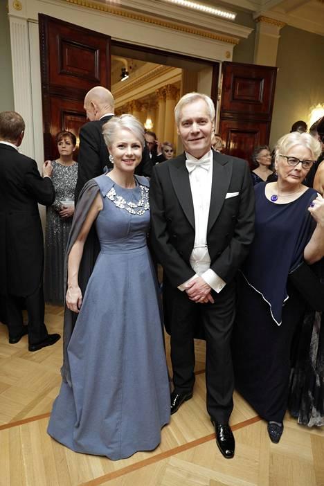 Heta Ravolainen-Rinteen puku oli valmistettu post waste -kankaasta, jossa on hyödynnetty kuluttajien loppuun käyttämää kangasta.