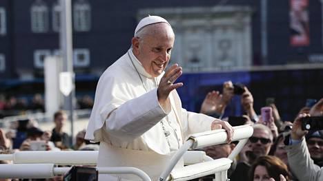 Paavi Franciscus kuvattiin hänen vieraillessaan Tallinnassa syyskuussa 2018.