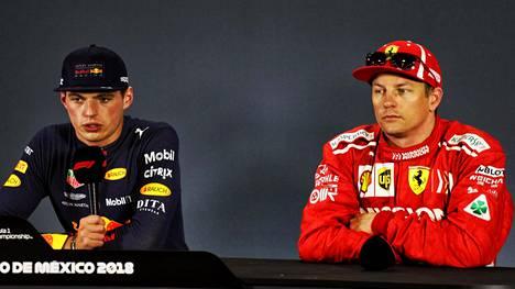 Max Verstappen solvasi F1-kuskia alatyylisesti – vieressä istunut Kimi Räikkönen ei pystynyt pidättelemään virnettään