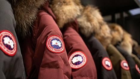 Canada Goose lopettaa turkisten ostamisen tämän vuoden loppuun mennessä ja lopettaa sen käytön vuoden 2022 loppuun mennessä.