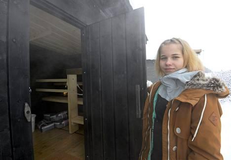 18-vuotias Alisa Vainio saa jo nimikkosaunansa ja mökkimalliston.