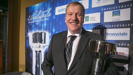 Jarmo Hakanen palkittiin Vuoden urheiluvaikuttajana Urheilugaalassa 2014.
