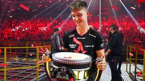 """Nicolai Reedtz eli tutummin """"dev1ce"""" on monien mielestä vuonna 2012 julkaistun Counter-Strike: Global Offensiven kaikkien aikojen pelaaja."""