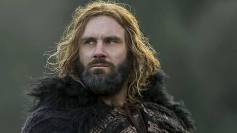 Clive Standen on näytellyt viikinkijohtaja Ragnarin veljeä Rolloa sarjan alusta asti. Subilla parhaillaan esitettävällä neljännellä kaudella hahmo on vanhennut viisikymppiseksi.