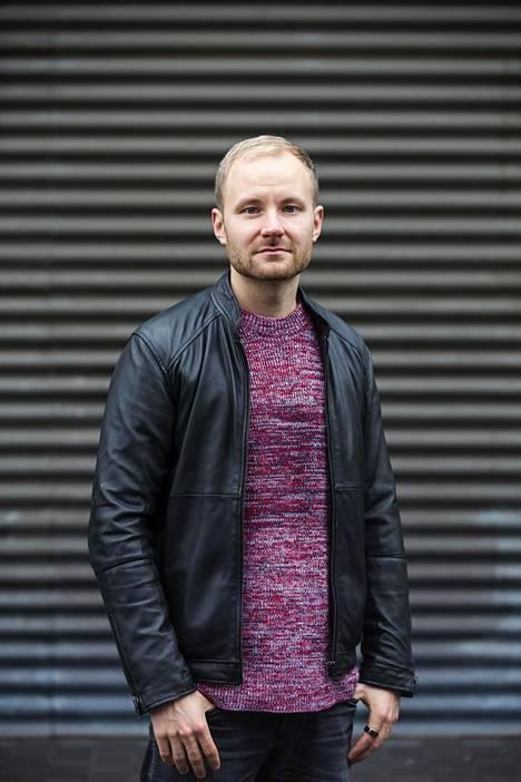 Yrittäjä Jasu Koponen haluaa tarjota matalan kynnyksen apua masennukseen verkkokurssilla ja videoilla.