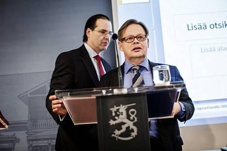 Borg ja Juhana Vartiainen esittelivät raporttinsa maaliskuussa 2015.
