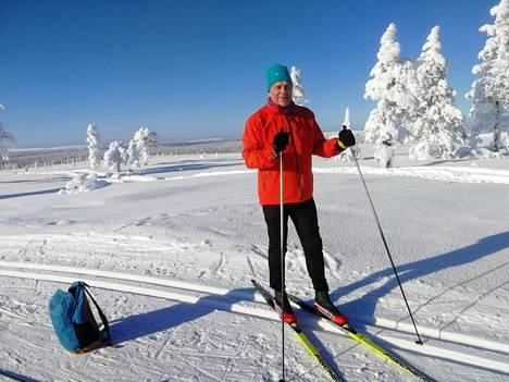Ari Paunonen vietti 60-vuotispäiväänsä Saariselällä hiihtäen.