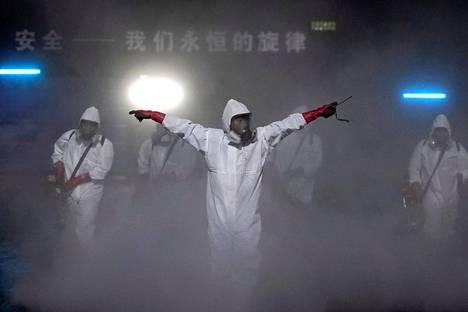 Koronavirus alkoi levitä Wuhanista. Kuvassa definsioidaan kaupungissa sijaitsevaa teatteria.