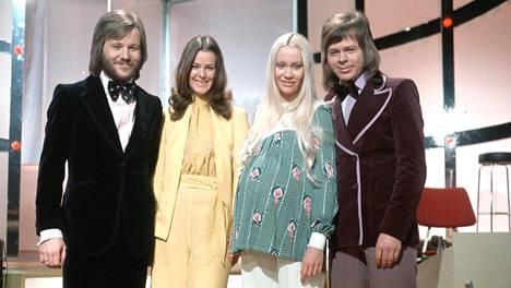 Abba silloin, kun kaikki oli vielä hyvin: vasemmalta Benny Andersson, Anni-Frid (Frida) Lyngstad, Agnetha Fältskog ja Björn Ulvaeus.