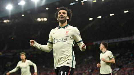 Mo Salah herkutteli hattutempun umpisurkean Manchester Unitedin kustannuksella.