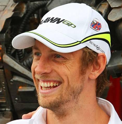 Jenson Button kerää tempauksellaan rahaa hyväntekeväisyyteen.