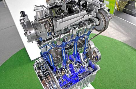 1-litraisessa EcoBoost-moottorissa on esimerkiksi tilavuudeltaan muuttava öljypumppu, joka optimoi voitelun tarpeen mukaisesti ja vähentää siten polttoaineenkulutusta.