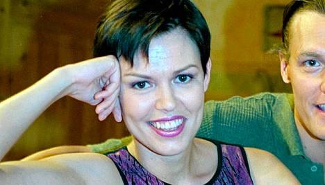 Anu Koskinen eli Katja Salkkareissa vuonna 2000.