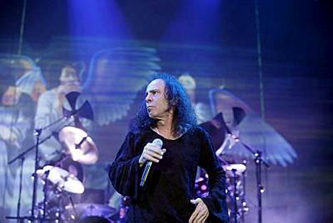Ronnie James Dion johtama kokoonpano vieraili Suomessa viime vuonna.