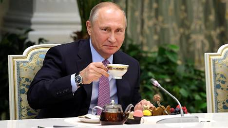 Vladimir Putin kertoi kokkiensa olevan liittovaltion turvallisuuspalvelun FSO:n palveluksessa.