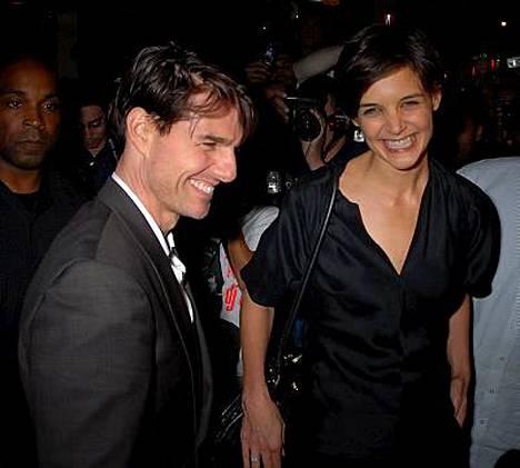 Tom Cruise elää ja voi hyvin, vakuuttaa näyttelijän edustaja.