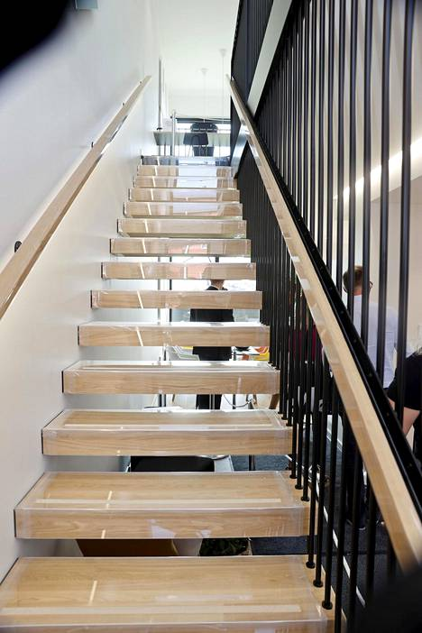 Portaat toimivat katseenvangitsijoina. Nämä näyttävät portaat sijaitsevat kohteessa numero 27, Dublio.