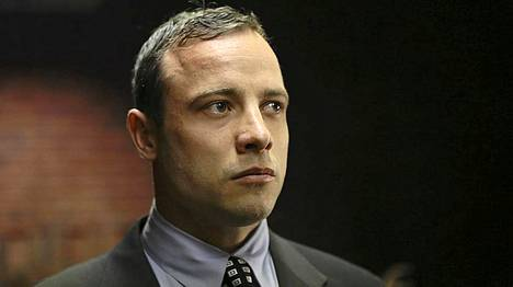 Oscar Pistorius esiintyi tiistaina vain lyhyesti oikeuden edessä.