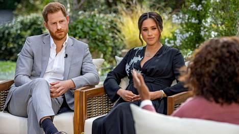 Prinssi Harry ja herttuatar Meghan tekivät juontaja Oprah Winfreyn kanssa kohauttavan haastattelun aiemmin vuonna 2021. Vain kuukausia sen jälkeen prinssi Harry ilmoitti julkaisevansa muistelmateoksen elämästään.