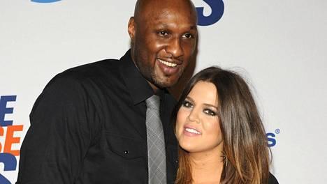 Khloe Kardashian ja Lamar Odom ovat edelleen virallisesti naimisissa.