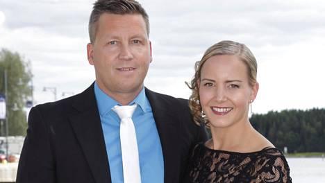 Jani Sievinen ja Maria Nyqvist suunnittelevat talvihäitä.