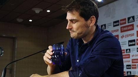Iker Casillas kertoi tiistaina lopettavansa jalkapallouransa.