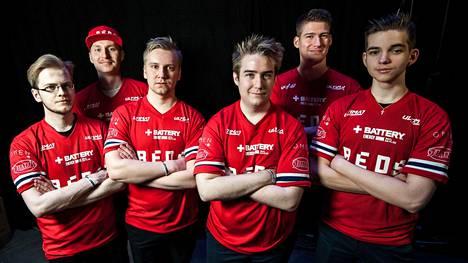HIFK:n pelijoukkue Helsinki REDS pelaa Overwatch-peliä.