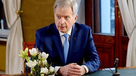 Tasavallan presidentti Sauli Niinistö pitää puheensa videoyhteydellä.