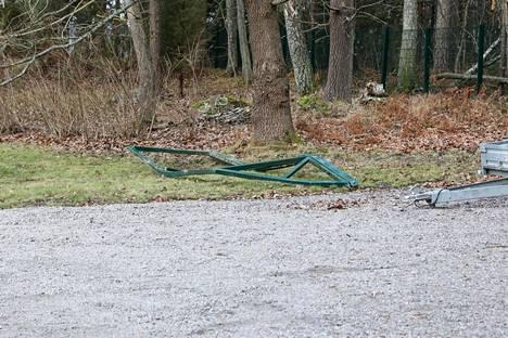 Iltalehden mukaan poliisit tekivät kiinteistölle rynnäkön tiistaina.