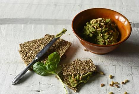 Härkäpavuissa on paljon proteiinia, joten pestotahna on upea lisuke myös kasvissyöjän lautaselle.