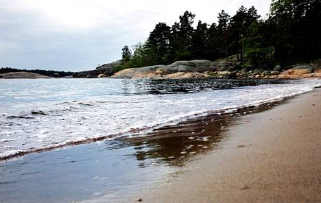 Diksandin uimaranta luonnontilainen ranta Espoossa.