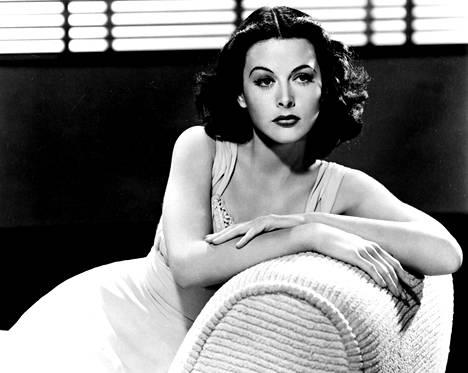 Hollywoodissa Hedy Lamarrista tuli 1940-luvun seksisymboli, jolle tarjottiin usein rooleja eksoottiseksi lasketun ulkonäkönsä perusteella.