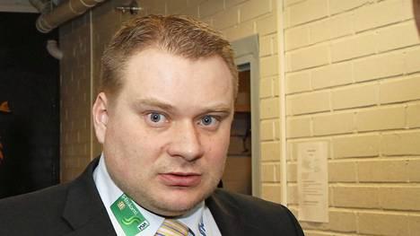 Rauli Urama on Jääkiekkoliiton huippu-urheilujohtaja.
