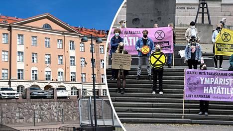 Ympäristöliike Elokapina esittäytyi tällä viikolla Etu-Töölön lukiossa.