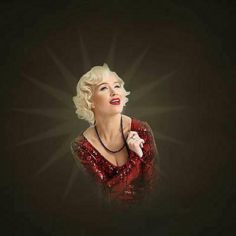 Arja Koriseva esiintyy Marilyninä musikaalissa.