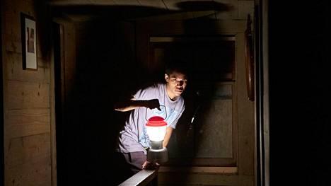 Travis (Kelvin Harrison Jr.) joutuu pistämään isän opit testiin.
