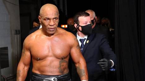 Mike Tyson kohtaa toimintaelokuvassa maailman vahvimman miehen.