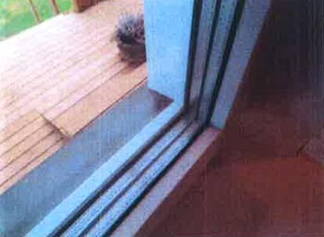 Kuntotarkastuksessa talo todettiin ikäisekseen hyväkuntoiseksi. Esimerkiksi talon ikkunat olivat kunnossa.