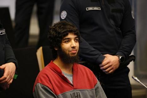 Syytetty Turun vankilassa, jossa oikeuden istunto pidetään.