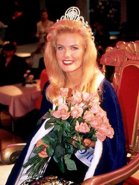 Tanja Vienosesta tuli Miss Suomi vuonna 1991.