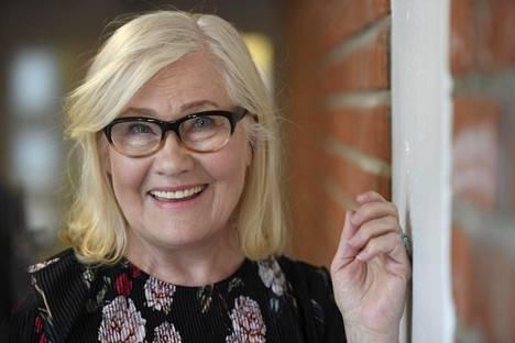 Maija-Liisa Peuhu toivoo, että kertomallaan oman tarinansa hän auttaa muita ihmisiä tunnistamaan aivoinfarktin oireet ja hakemaan hoitoa välittömästi.