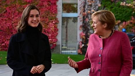 Sanna Marin tapasi Angela Merkelin Berliinissä.