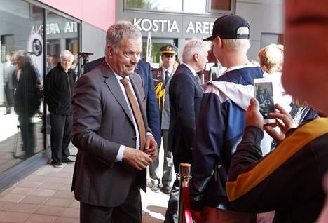 Presidentti Sauli Niinistö vieraili Pälkäneellä, jossa hän tutustui viime syksynä avattuun Kostia-Areenaan.