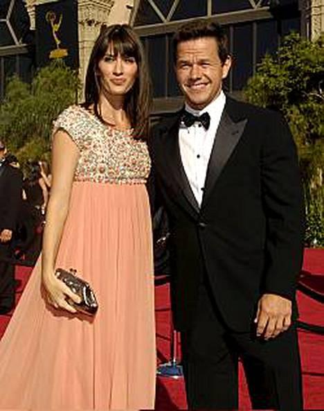 Mark Wahlbergilla on tyttöystävänsä Rhea Durhamin kanssa 4-vuotias tyttö ja vähän yli vuoden ikäinen poika.