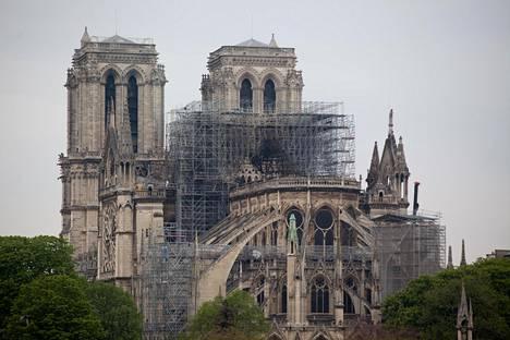 Notre Damessa oli meneillään saneeraustyöt ennen tulipaloa.
