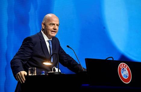Gianni Infantino puhui Uefan kongressissa tiistaina.